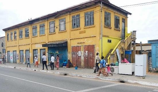 Accra Urban Adventures : Great old buildings