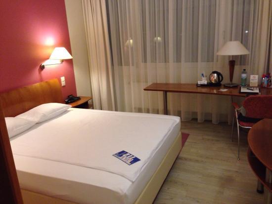 Globana Airport Hotel: photo0.jpg