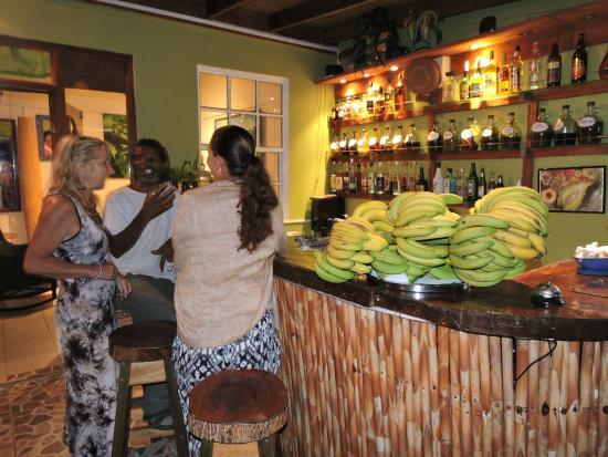 Marigot, Dominica: Bar