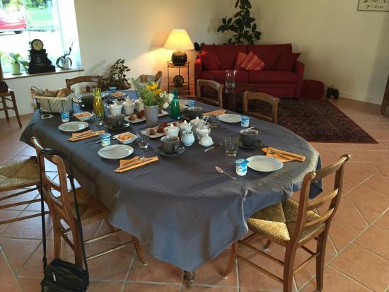 Au Bois Dormant: The unique and outstanding breakfast.