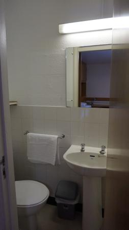 Private bathroom picture of trinity college campus for Best bathrooms dublin