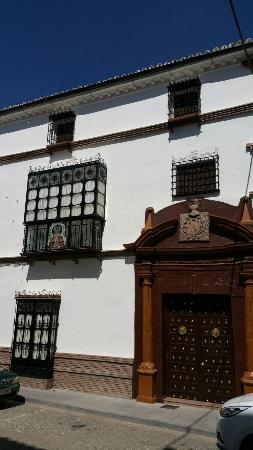 Canete La Real, Spain: Casa ornamentada para la fiesta de la Virgen de los Caños.