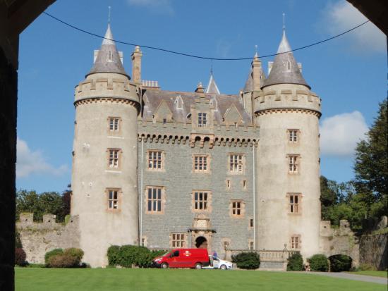 Dufferin Coaching Inn: Killileagh Castle