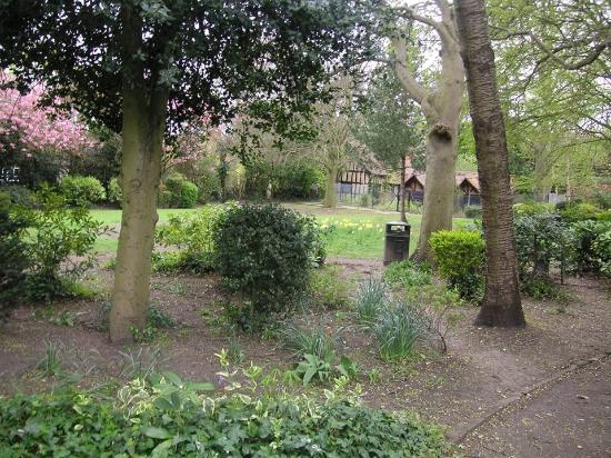 Bernays gardens