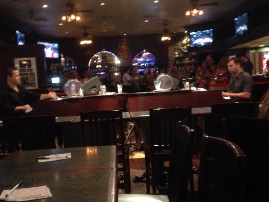 Bar at Times Square : Night at the Duelling Pianos