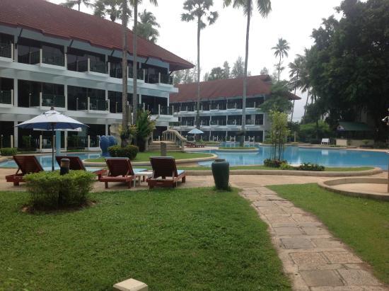 Amora Beach Resort: Main pool area