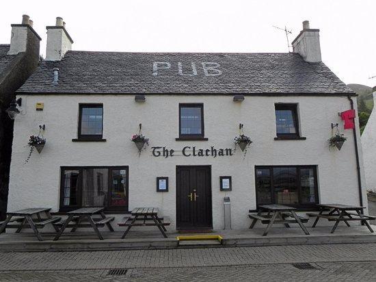 Dornie, UK: The Clachan Pub