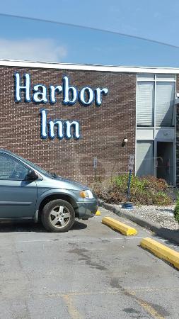 Harbor Inn Phillipsburg : Harbor Inn Phillisburg. Not for children or the squeamish