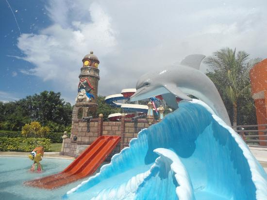 Playa Mia Grand Beach Water Park Chapoteadero