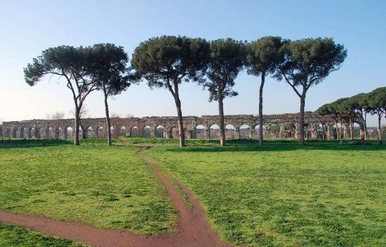 AraCoeli Bed & Breakfast di Umberto Buzzoni: ecco cosa potete visitare a pochi metri dal beb aracoeli, il parco dell appia antica , roma anti