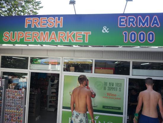 Hotel Erma: Egen butikk