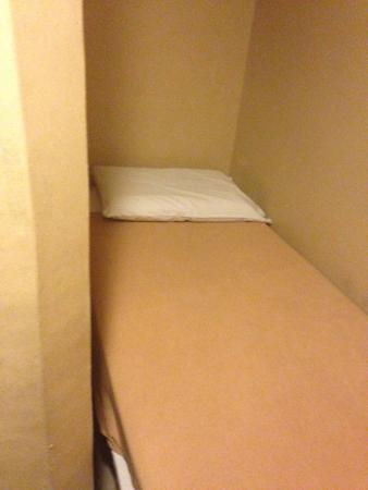 Arianna Hotel: Bed