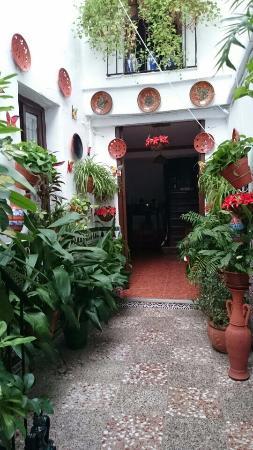 Pension Agustina: внутренний двор