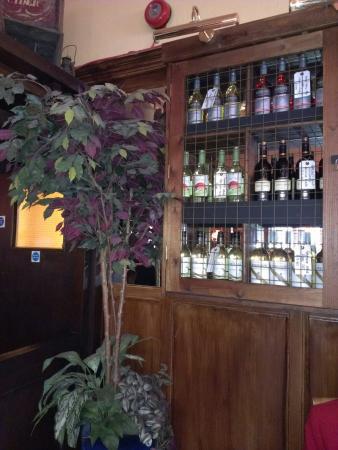 Half Moon Inn: Good wines