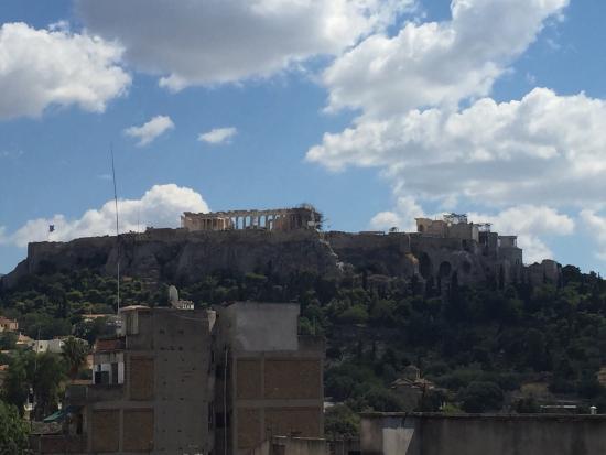 Convenient to Acropolis and Monastiraki cafes