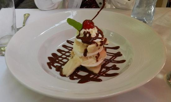 Alfresco Apple and Swiss Meringue Dessert