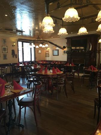 Le Thillay, Франция: Restaurant