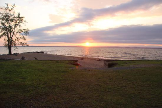 Peru, estado de Nueva York: Ausable Point Campground - Sunrise