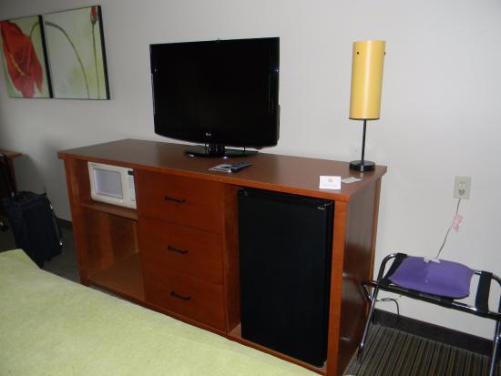 La Quinta Inn & Suites Helena: TV, microwave & fridge