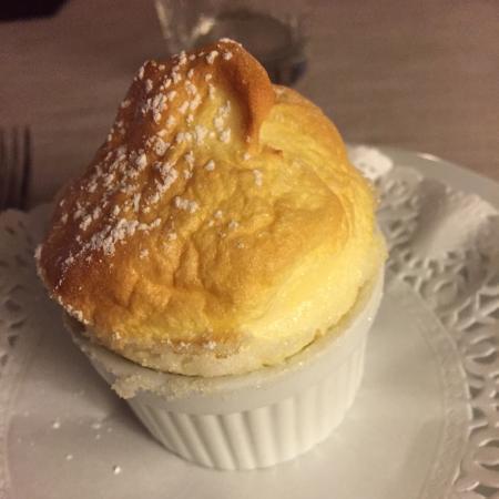 Hostellerie de la Poste : Both the main course & the soufflé were wonderful