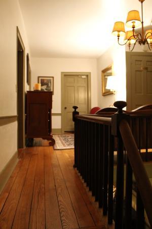 Simon Kenton Inn: Beautiful appointed woodwork