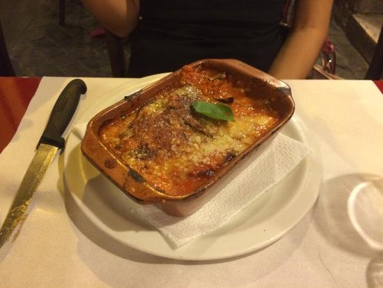 Piatti tipici romani cacio e pepe parmigiana saltimbocca for Piatti tipici romani