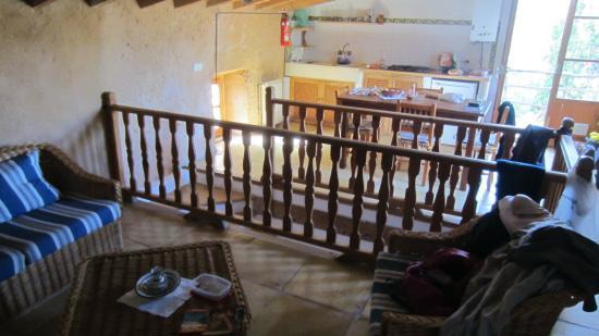 Agroturismo Sa Casa Rotja : salon et salle à manger et cuisine de l'appart