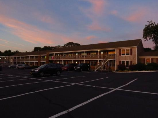 Holiday Hill Motor Inn: Located on Rte 28, Main St.