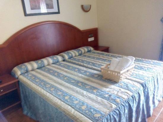 Hotel - Apartamentos Peña Santa: Habitación y vistas