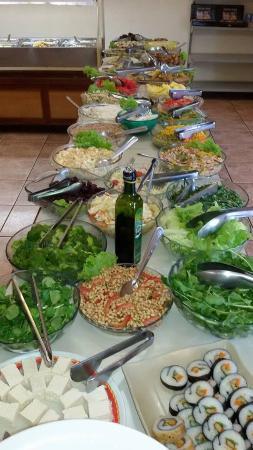 Restaurante Vegetariano Natural: buffet de saladas