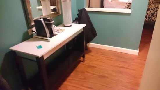 wheelchair accesible room: bathroom