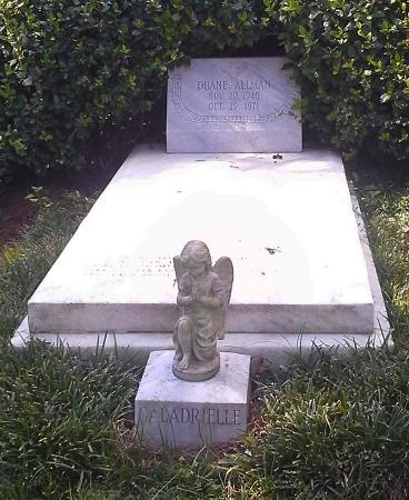 Rose Hill Cemetery: Rest in Peace - Duane Allman