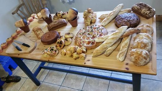 Firehouse Bakery Bread Class on Heir Island. 110€ Best value of our 4 trips to Ireland. Made fro
