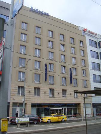 Jurys inn prague picture of jurys inn hotel prague for Best hotel location in prague