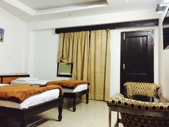 OYO 4287 Hotel Pathik