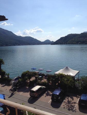 Albergo Hotel Rivabella : Schöne Lage direkt am See