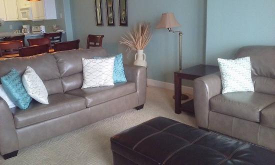 Ocean Villa Condos: Living room