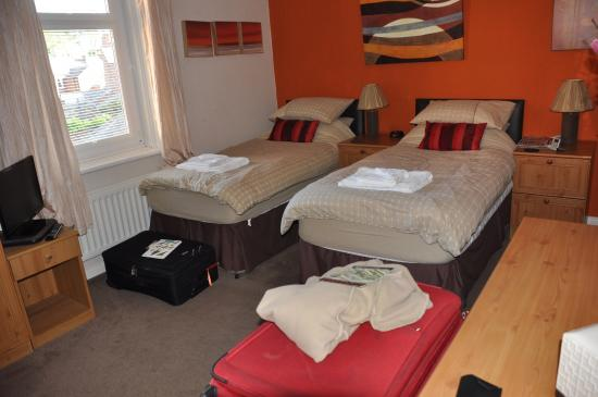 Warwick Lodge Guest House: room 6