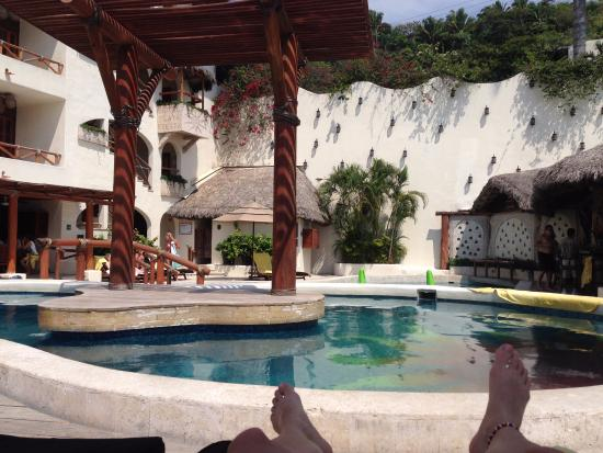 Hotel Playa Fiesta : Poolside before our guests arrived