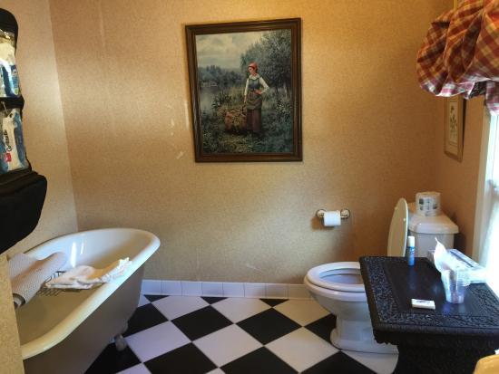 Springside Inn: photo1.jpg