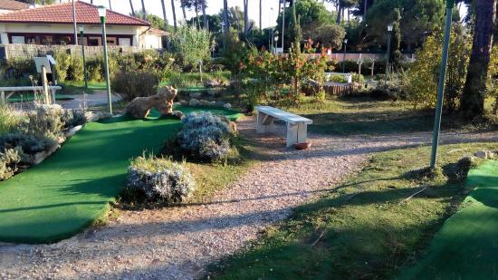 Marina di Bibbona, Italie : Mini Golf - 12 Bahnen