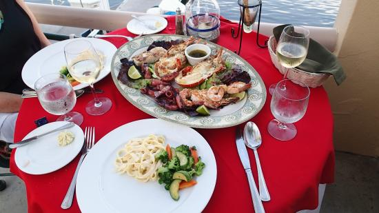 Il Pescatore: A seafood platter for two
