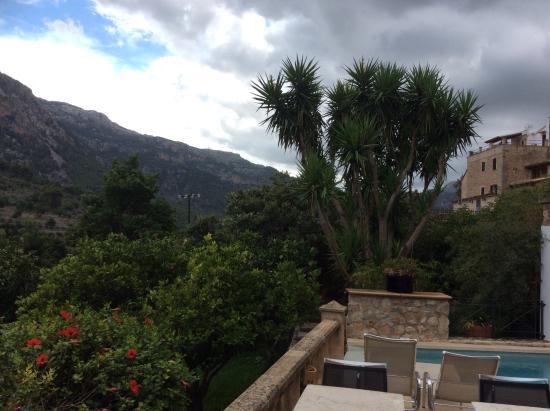 Fornalutx Petit Hotel: Blick von Frühstücksterasse