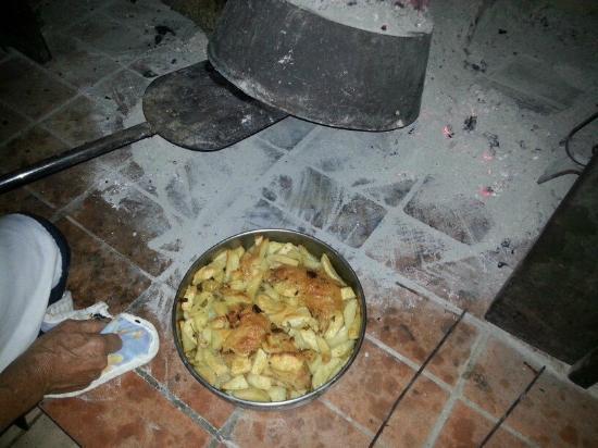 Agriturismo La Fonte : specialità della casa pollo in coppa