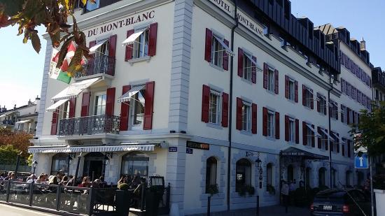 Terrace at Romantik Hotel Mont-Blanc Au Lac : Front