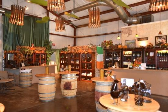 Irish Vineyards Winery: Irish Vineyards tasting Room