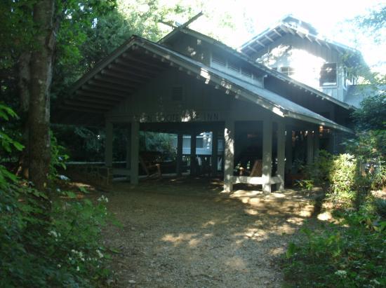 Dawsonville, Georgien: Front of Inn