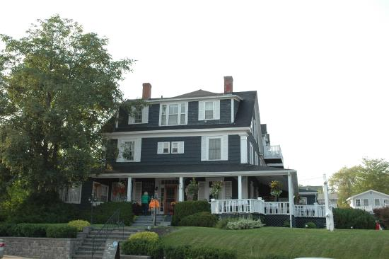 Baddeck - Telegraph House