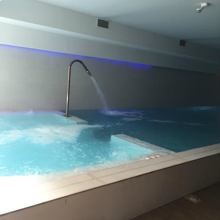 piscine picture of spa montaigne cannes tripadvisor. Black Bedroom Furniture Sets. Home Design Ideas