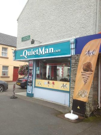 Oughterard, Irland: The quiet mans cafe